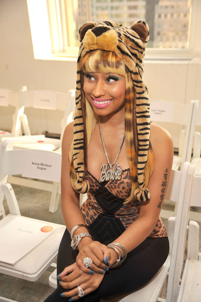 nicki-minaj-at-the-oscar-de-la-renta-spring-show